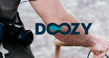 Doozy confía en el equipo de Lifting Group para la creación de su presentación corporativa.