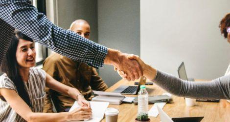 Aura confía en Lifting Group para la renovación de su página web adaptándola a los nuevos estándares de usabilidad y navegación web.